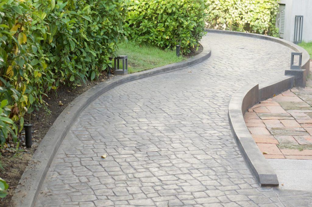 professional concrete sidewalks service